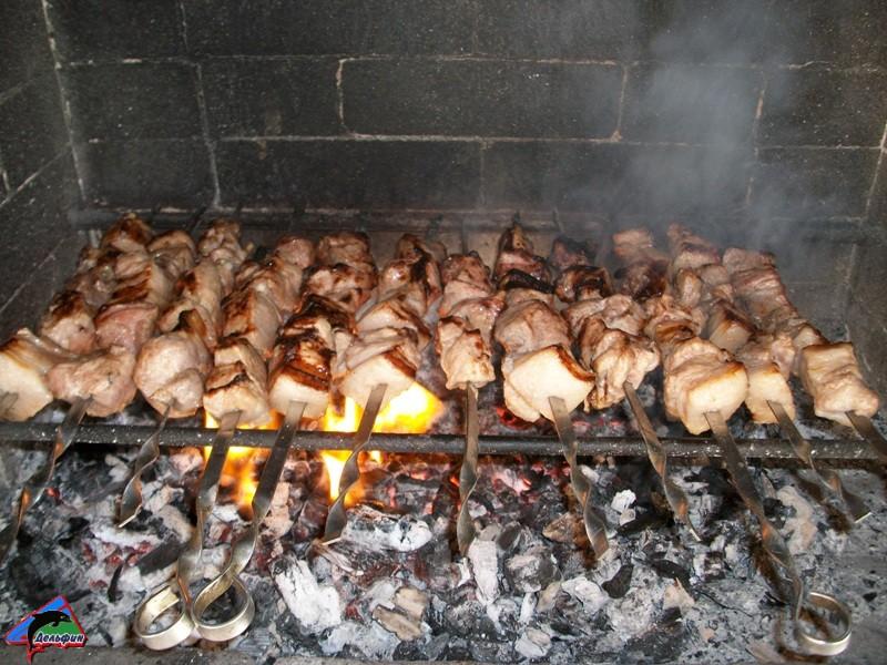 Мангал для приготовления шашлыков и других блюд